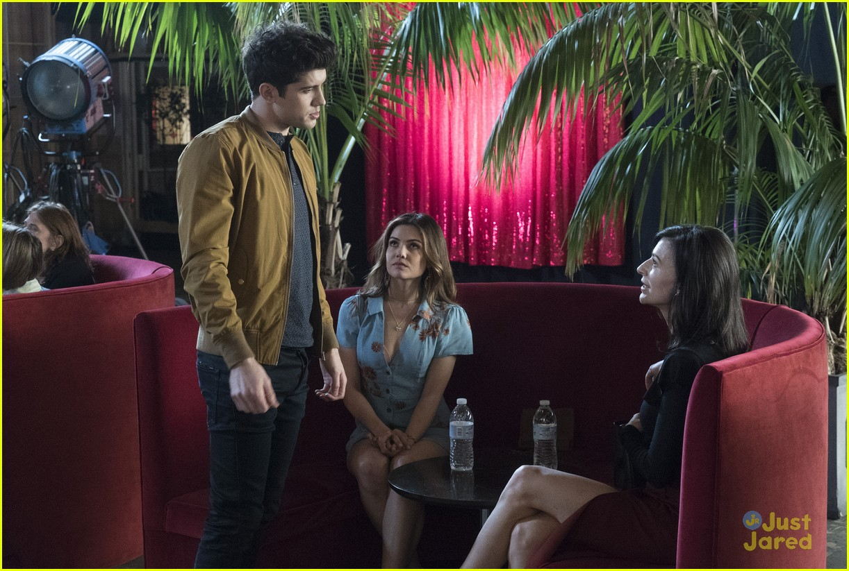 famous love goodbye boy stills 06