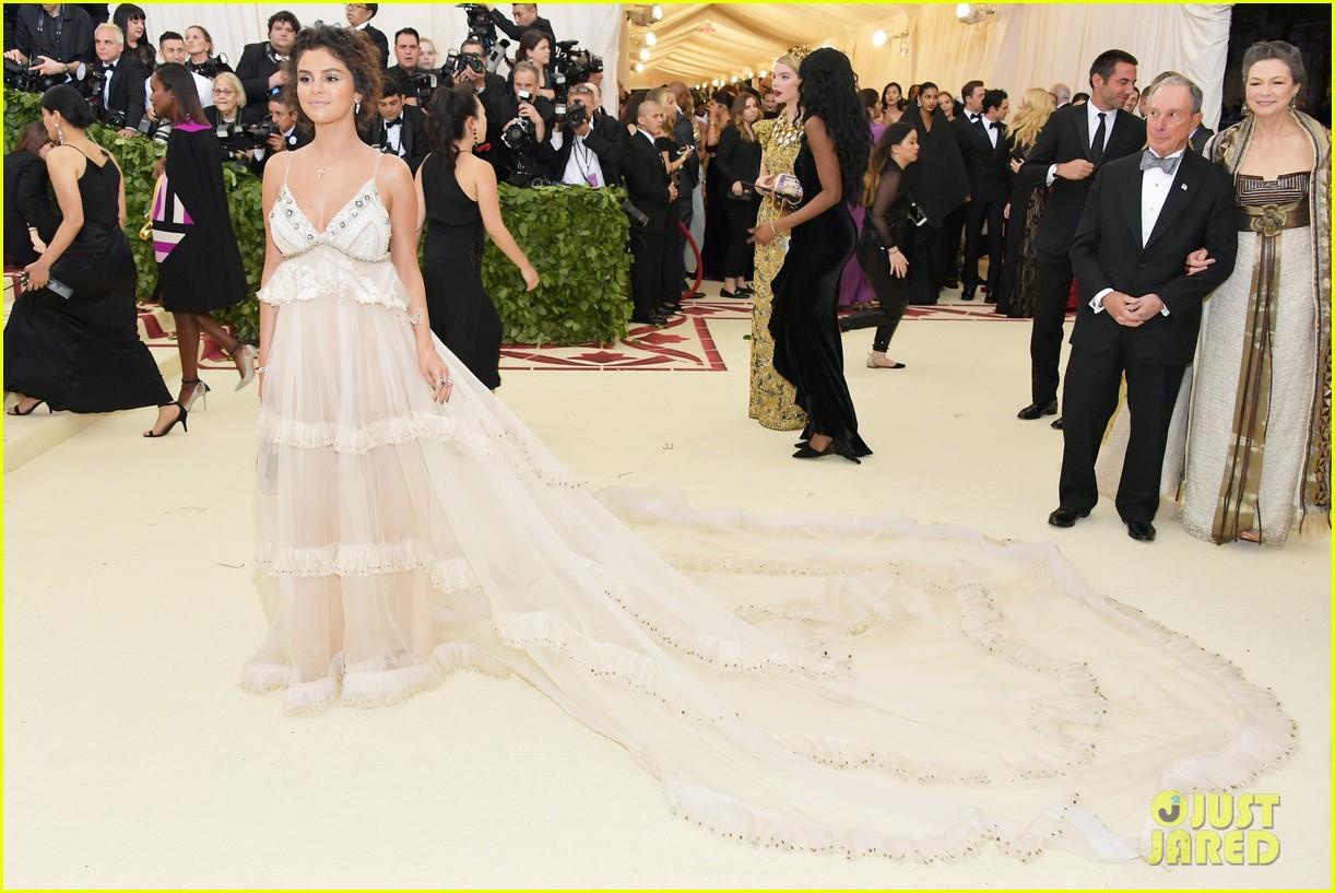 selena gomez looks heavenly in sheer gown at met gala 2018 01