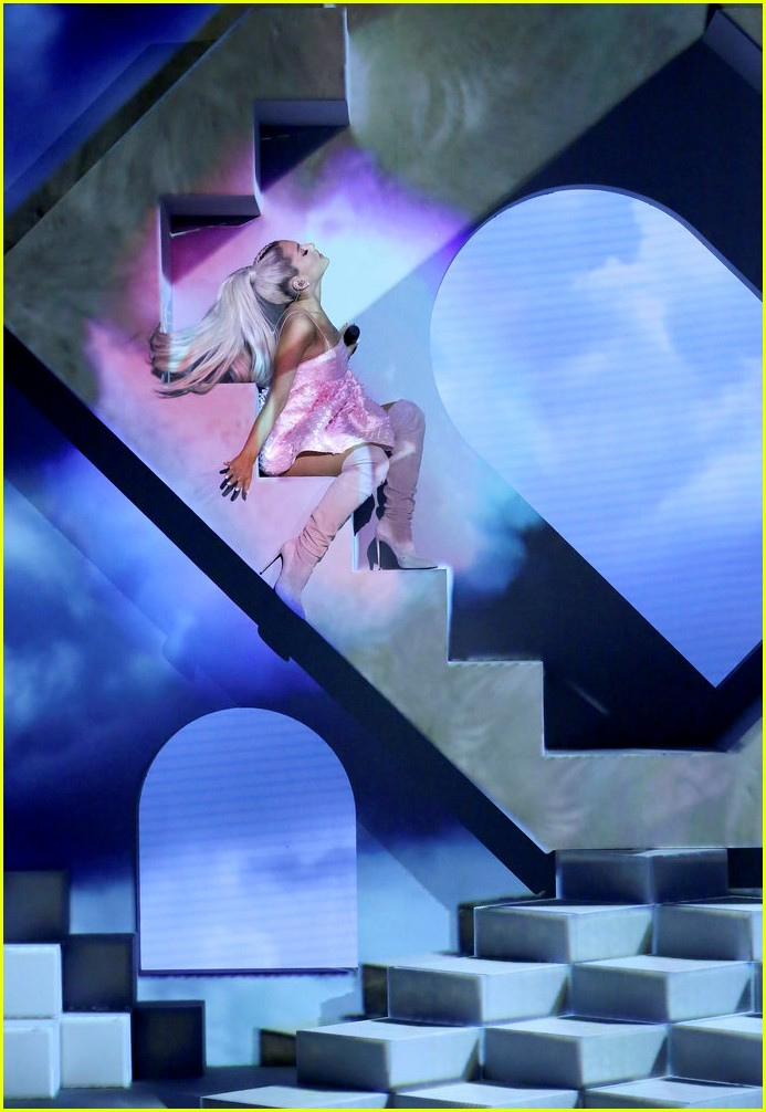 Ariana Grande Tears Left Cry Fallon 05 Demi Lovato Jimmy