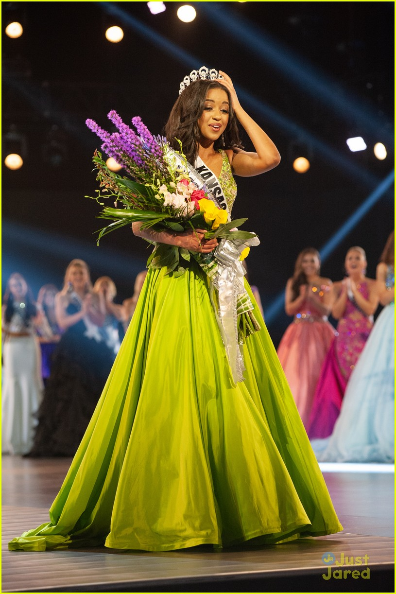 hailey colborn crowning moment miss teen usa 01