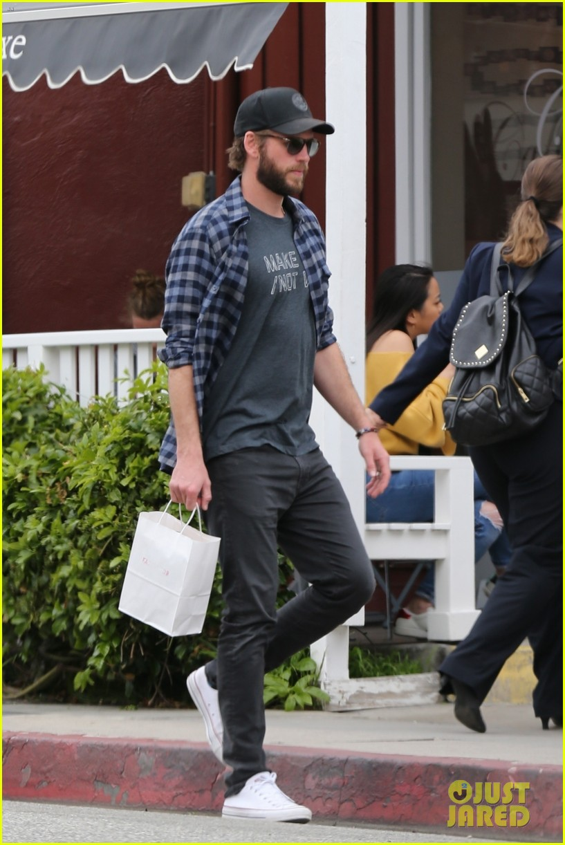 liam hemsworth rocks make love not war t shirt for brentwood shopping trip 03