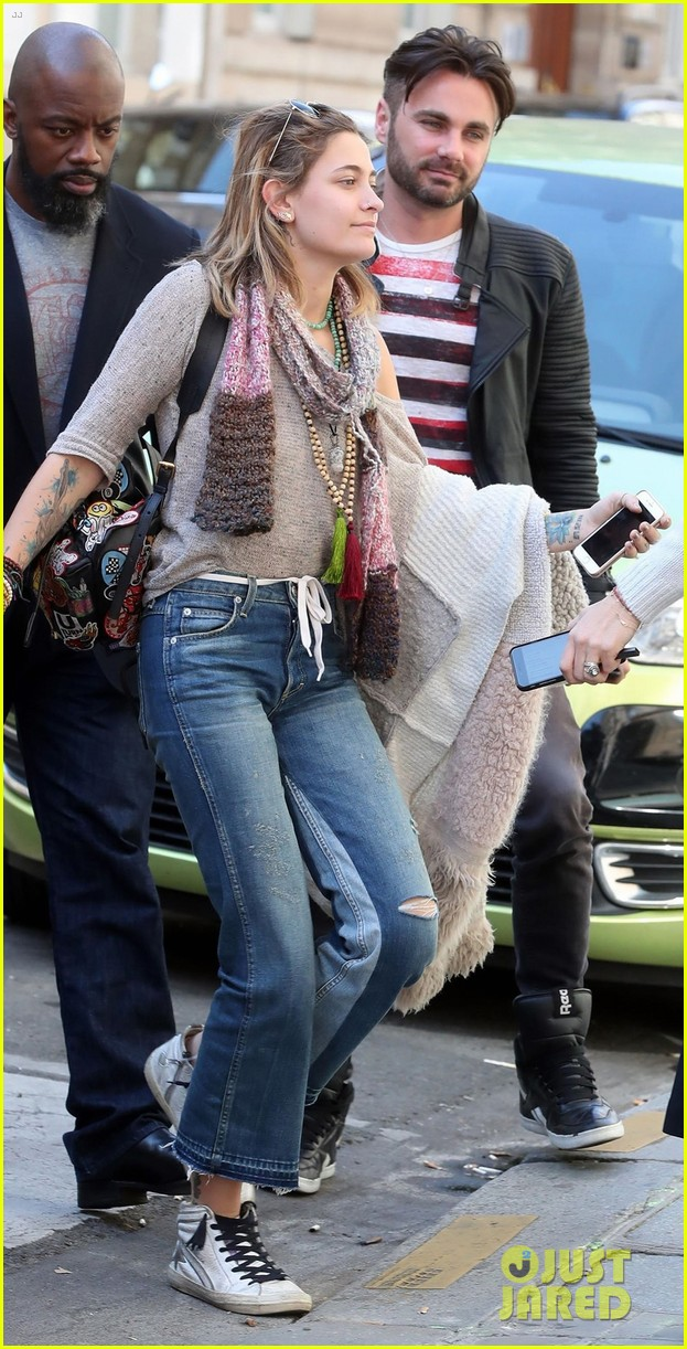 paris jackson shows off her style at the dior hq in paris2 02