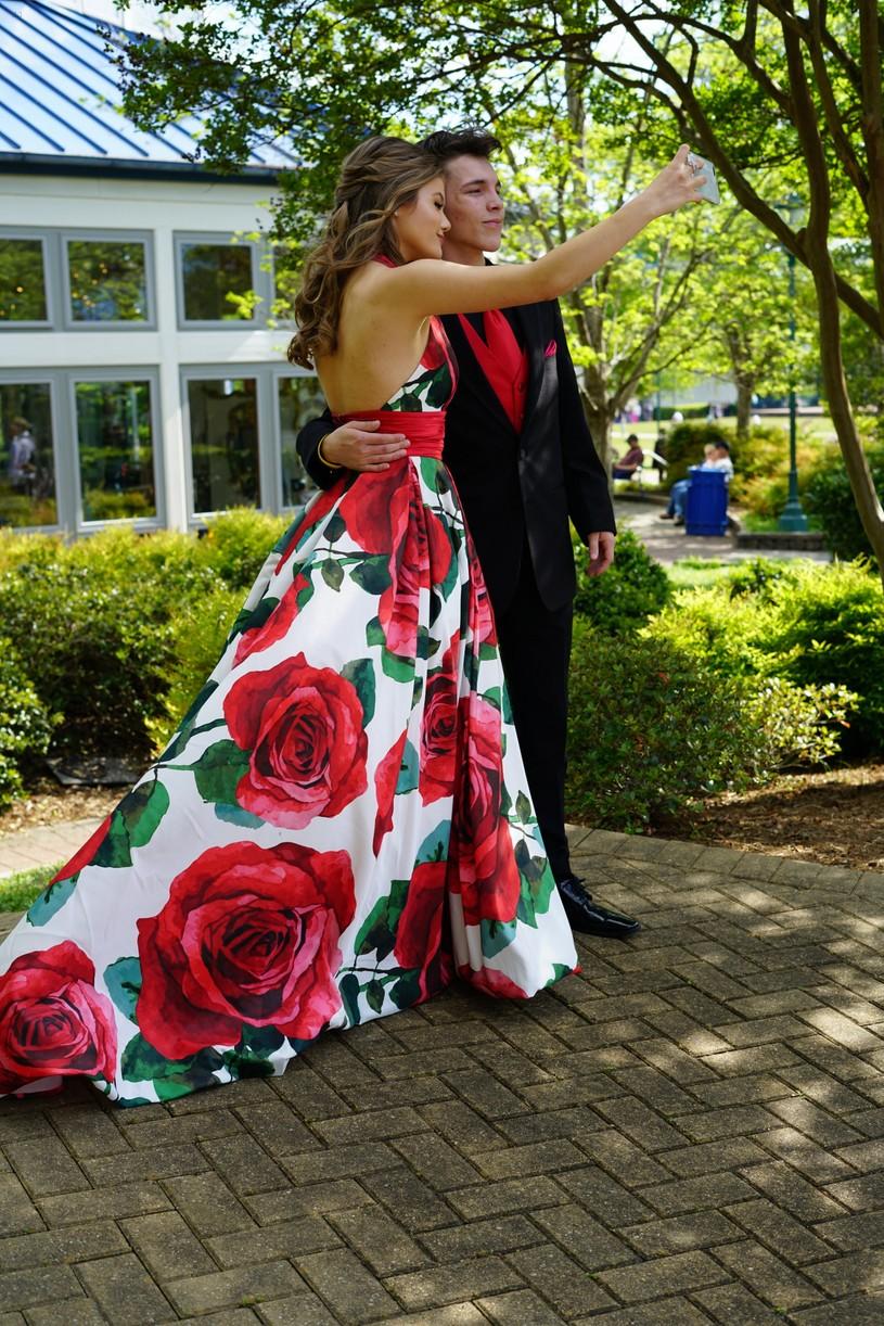kerri medders prom fan exclusive pics 01.