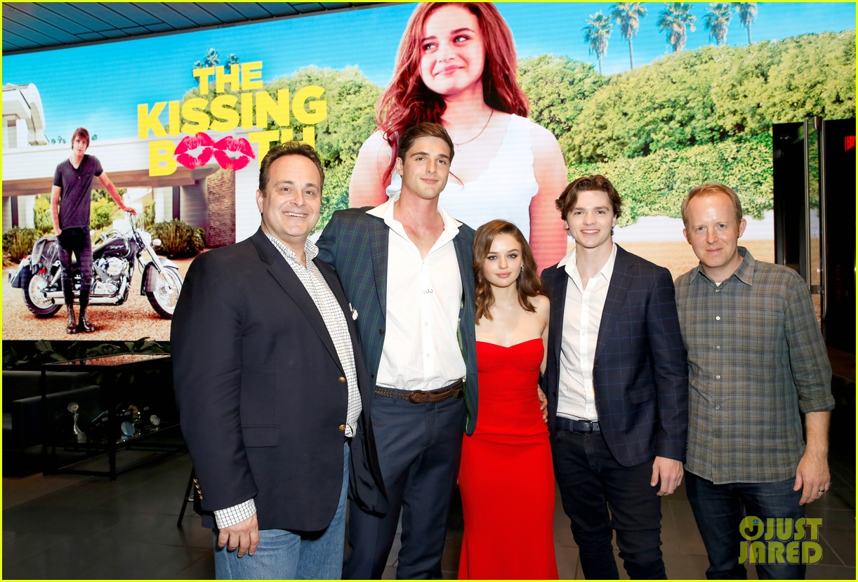cast of kissing booth 2018