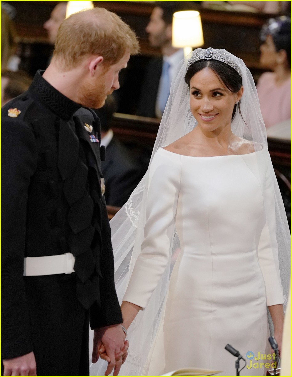 Meghan Markle Prince Harry Are Married See Wedding Photos