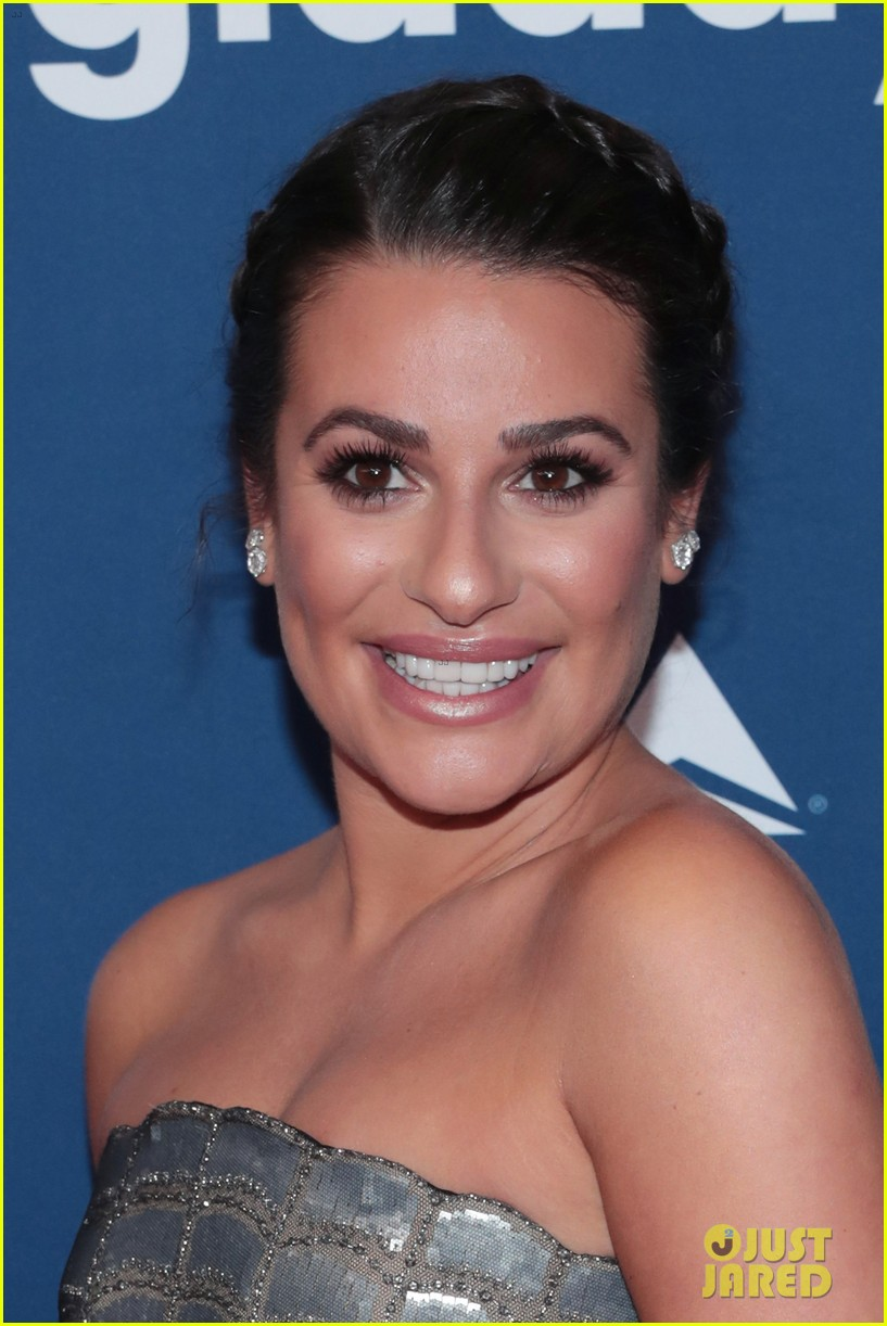 lea michele shows off engagement ring at glaad media awards 13