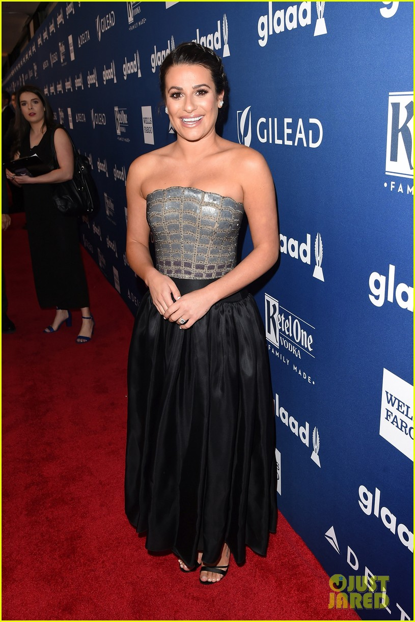 lea michele shows off engagement ring at glaad media awards 14