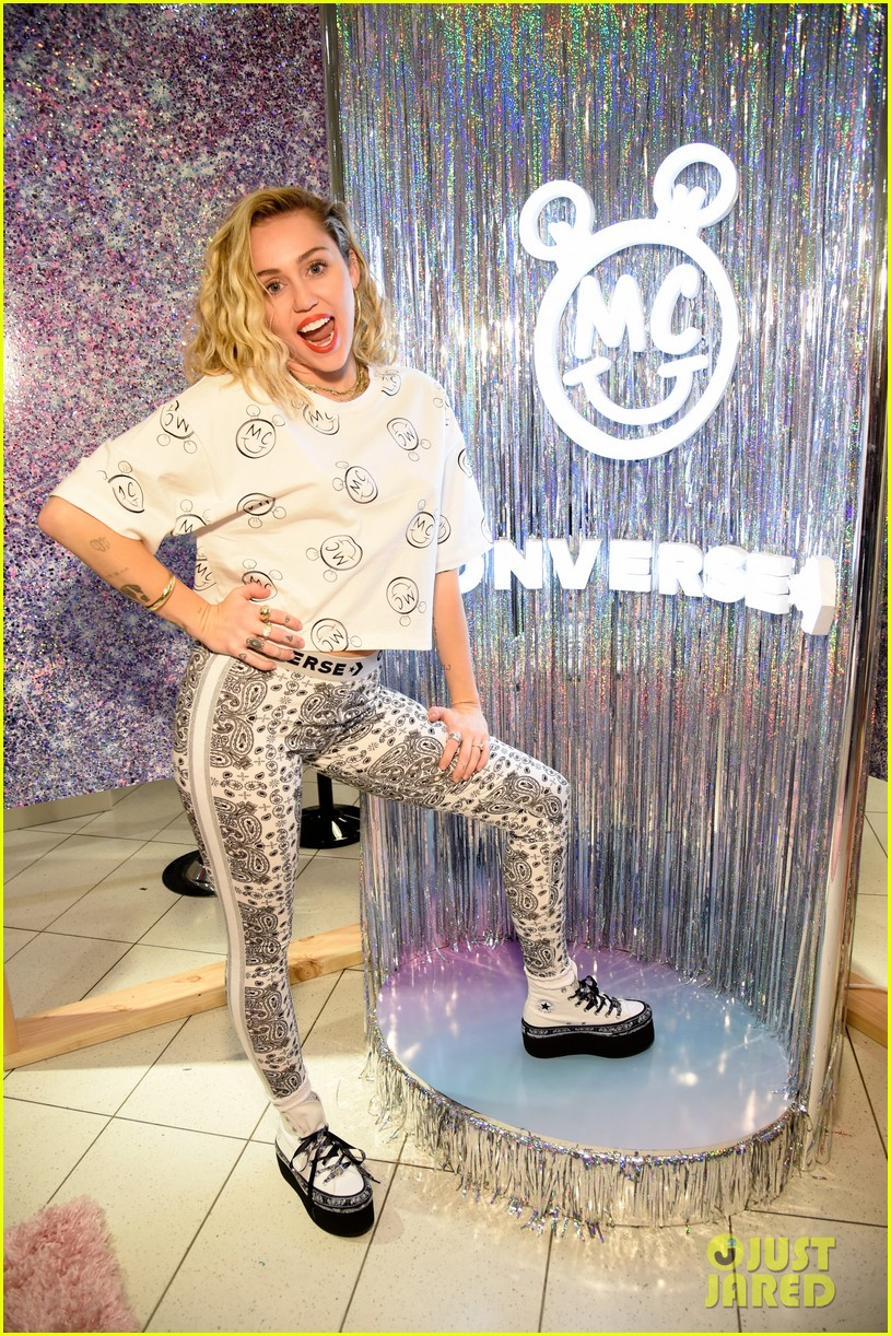 miley cyrus launches converse collection at the grove 01