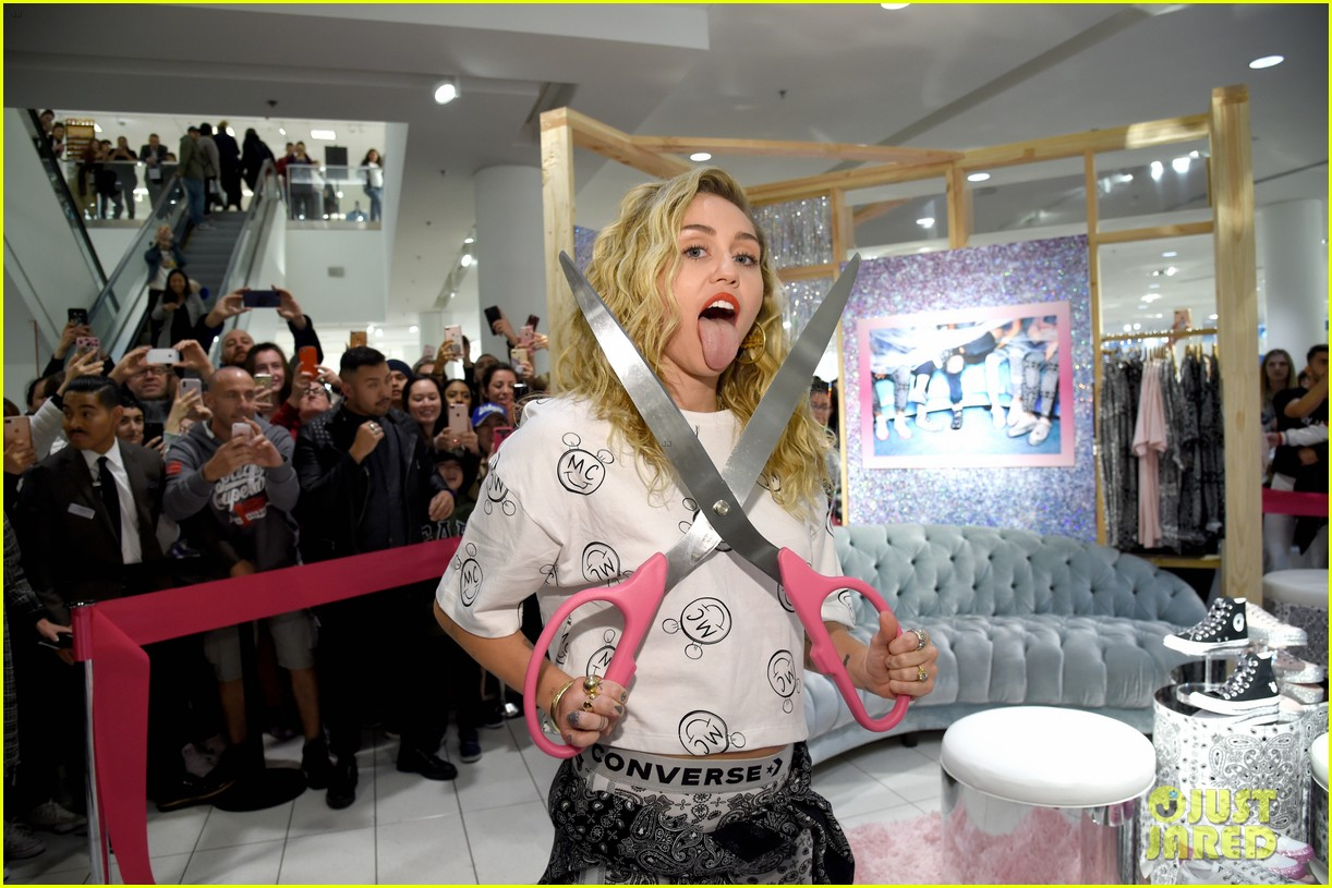 miley cyrus launches converse collection at the grove 11