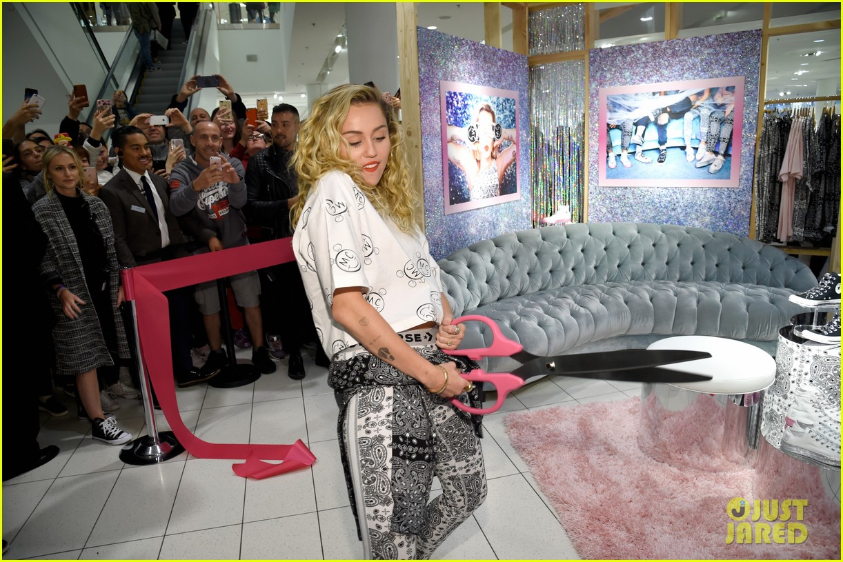 miley cyrus launches converse collection at the grove 12