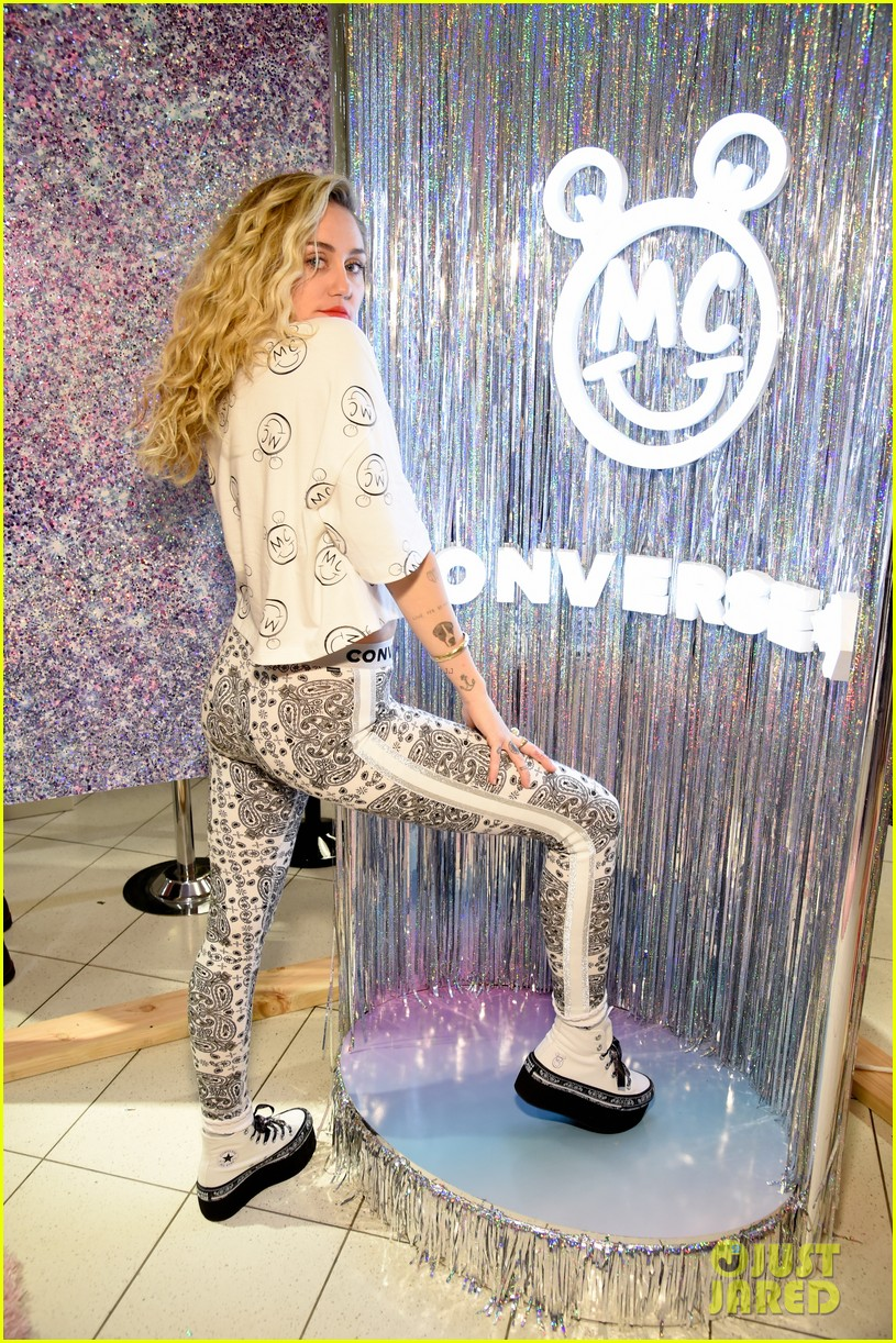 miley cyrus launches converse collection at the grove 17