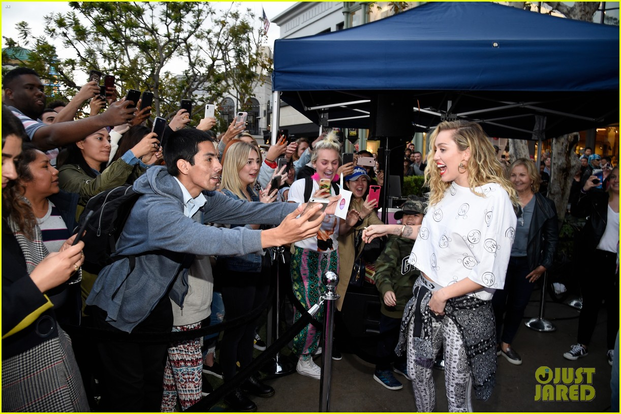 miley cyrus launches converse collection at the grove 24