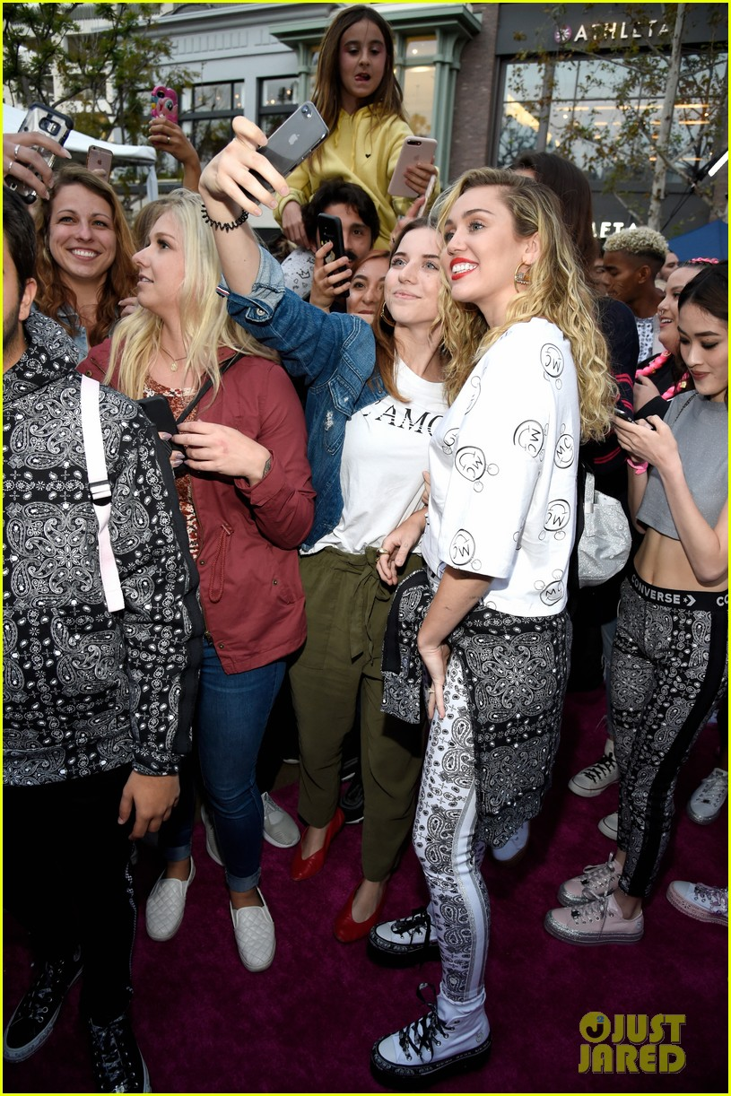 miley cyrus launches converse collection at the grove 33