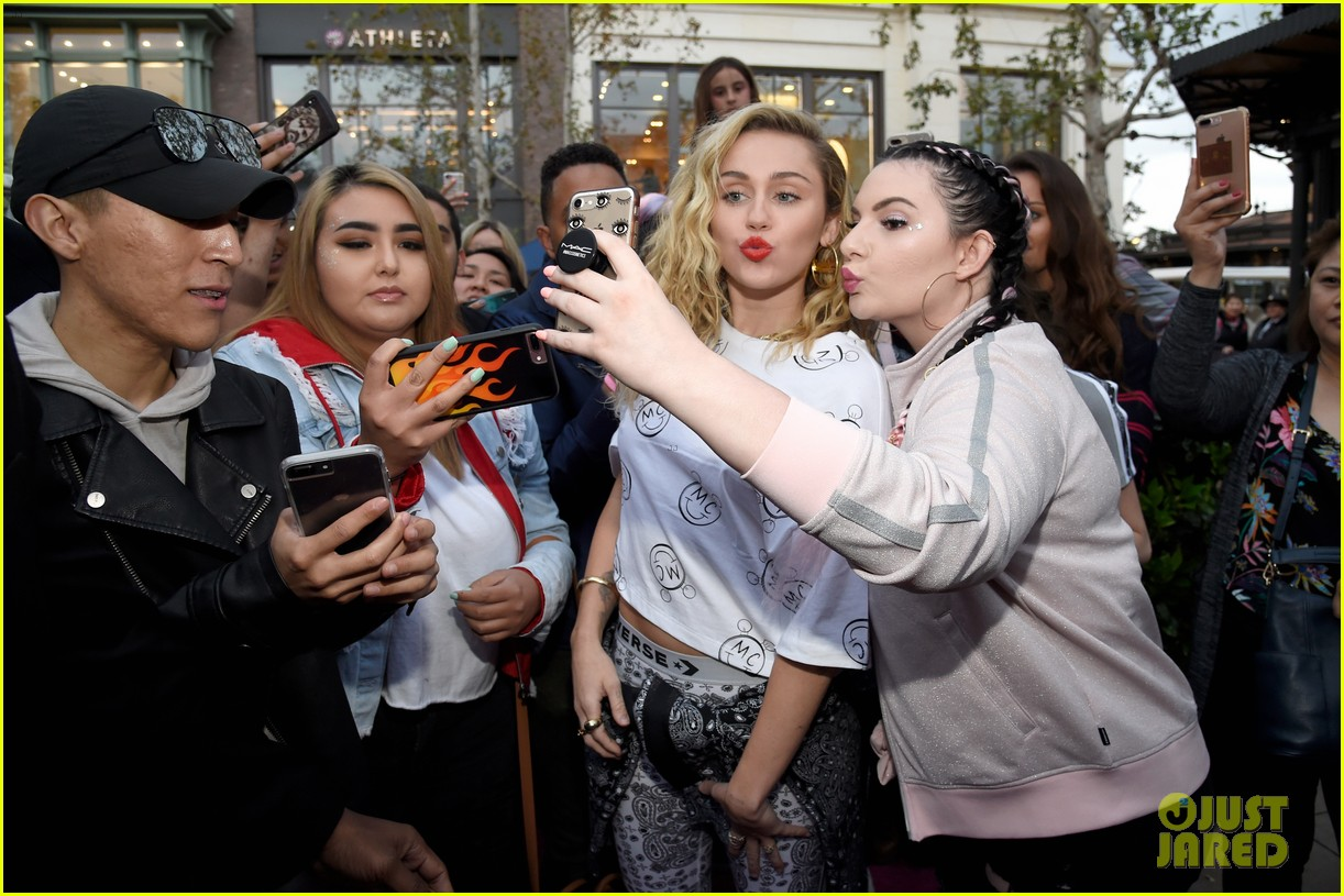 miley cyrus launches converse collection at the grove 34