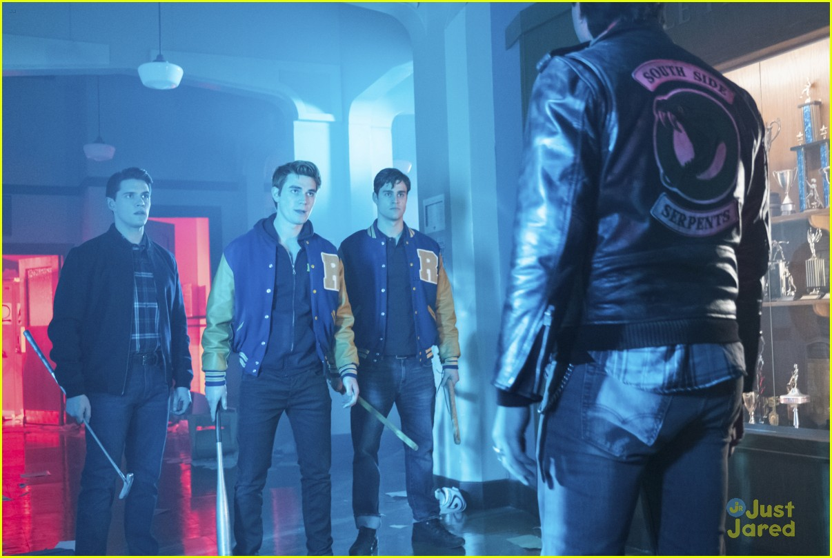 riverdale black hood poll stills 06