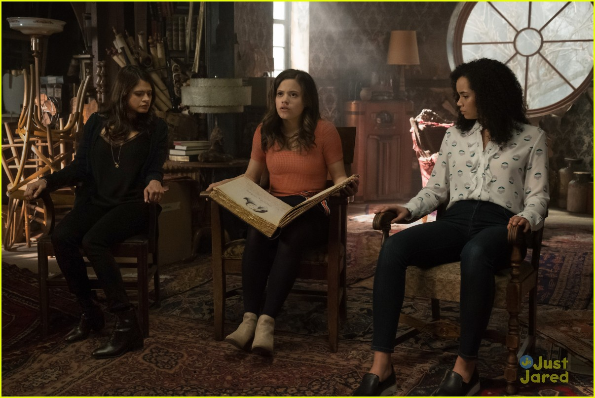 sarah jeffery first look charmed cw upfront 02