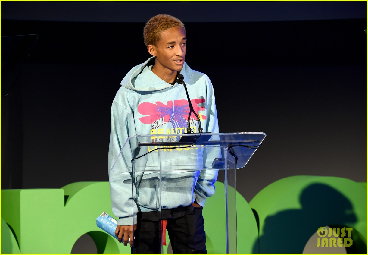 jaden smith odessa adlon cozy up at environmental media awards 8