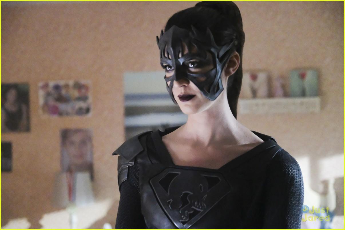alex ruby bond protect supergirl tonight 02