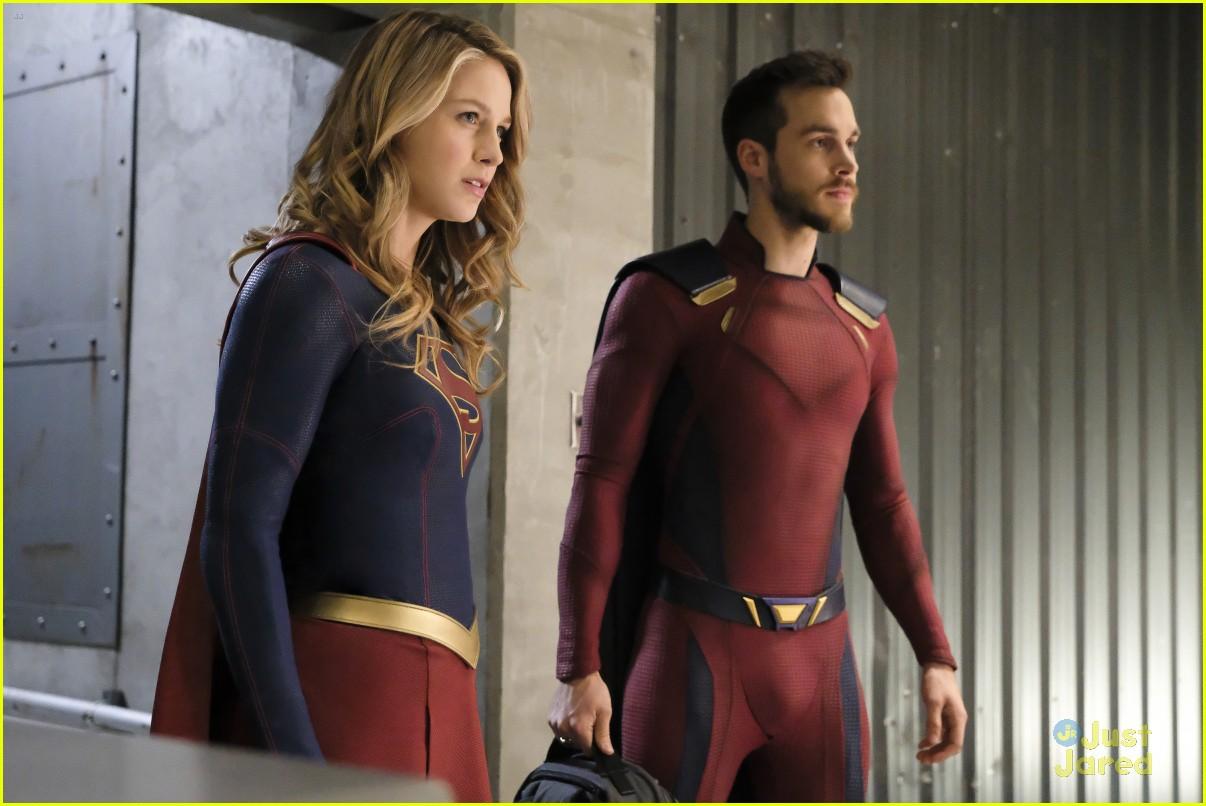 alex ruby bond protect supergirl tonight 04