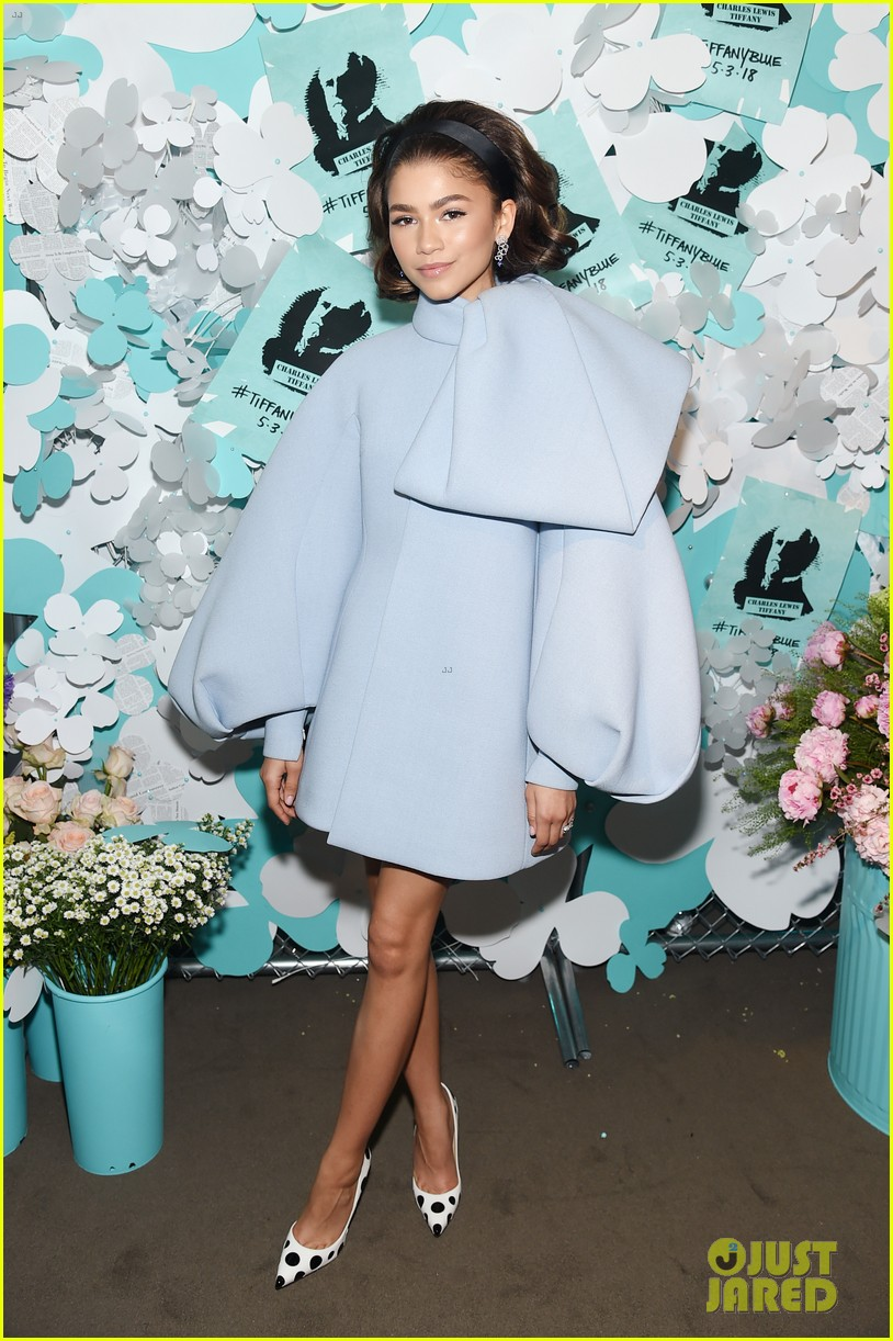 zendaya elle fanning and yara shahidi get glam for tiffany and co event 01