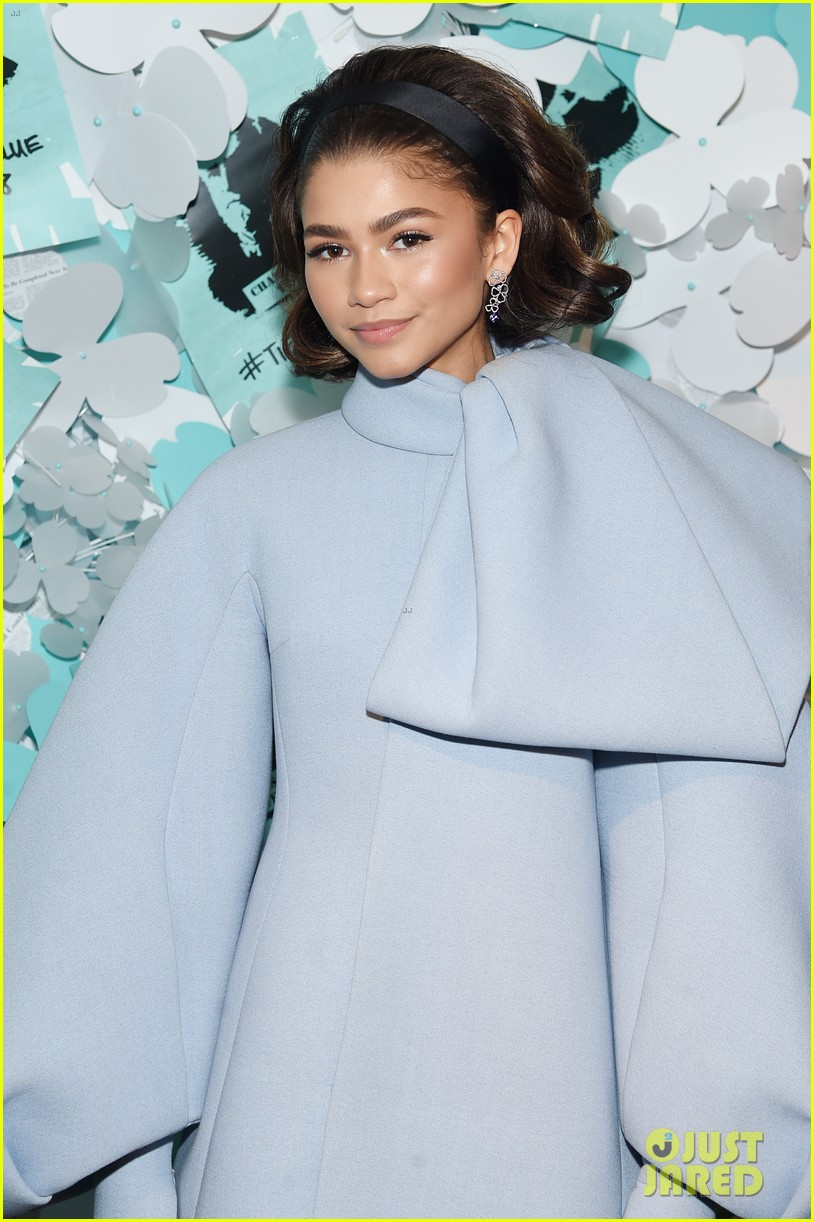 zendaya elle fanning and yara shahidi get glam for tiffany and co event 24