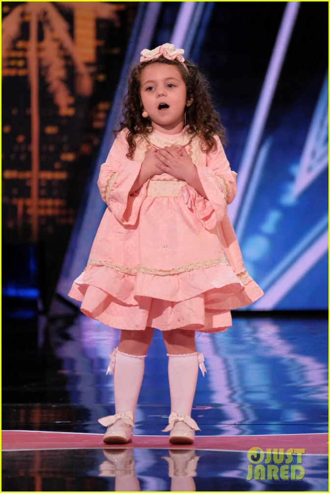 five year old girl sings frank sinatra in adorable agt audition 03
