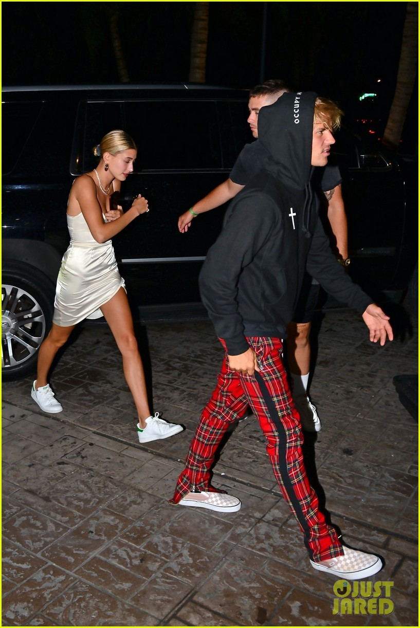 justin bieber gets cozy in miami with hailey baldwin 05