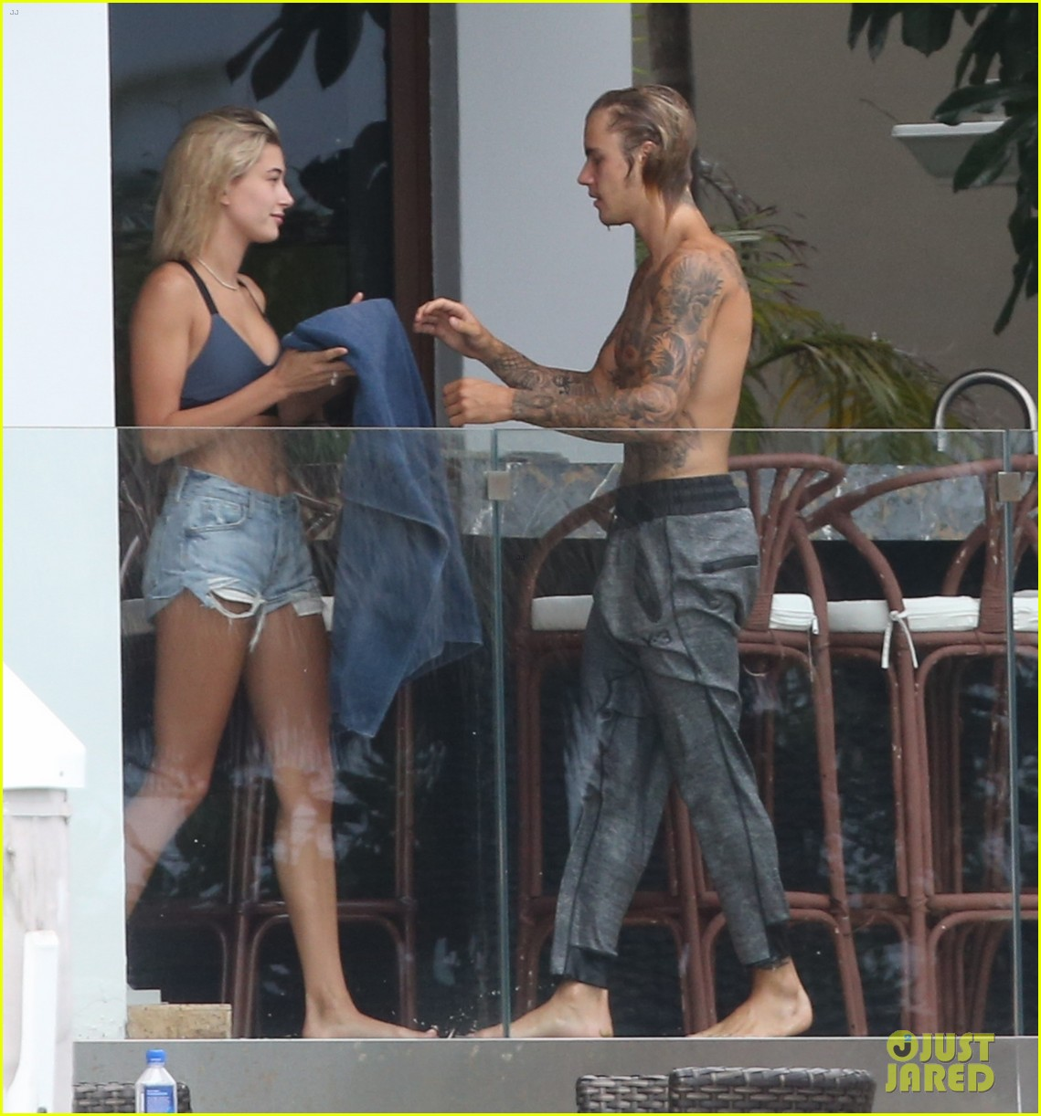 justin bieber gets cozy in miami with hailey baldwin 22