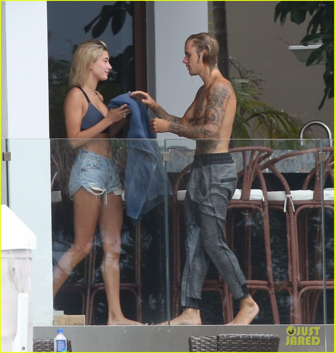 justin bieber gets cozy in miami with hailey baldwin 23
