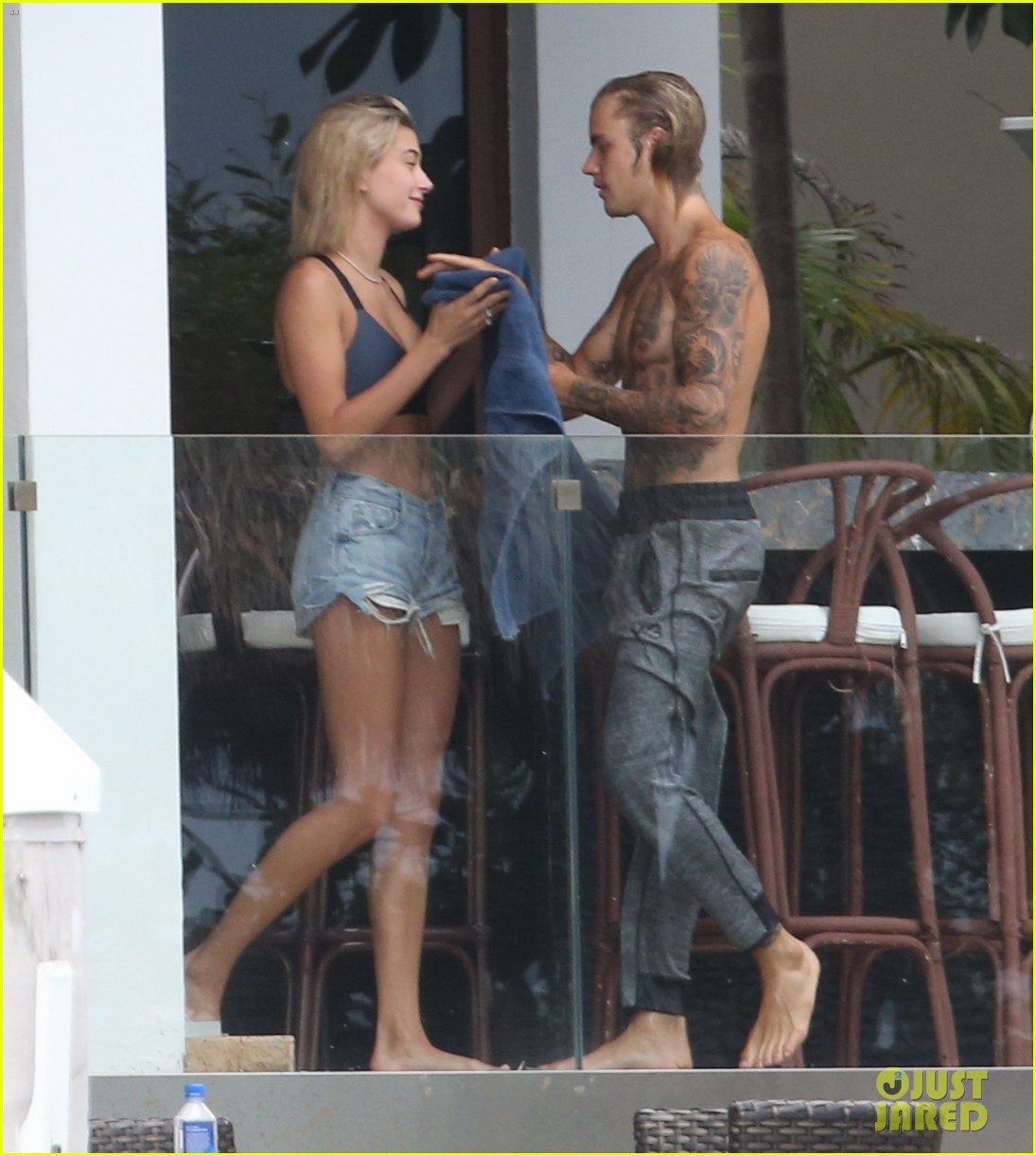 justin bieber gets cozy in miami with hailey baldwin 24