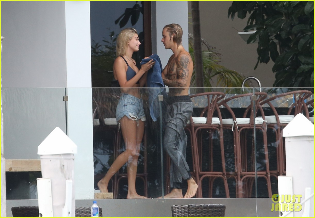 justin bieber gets cozy in miami with hailey baldwin 25