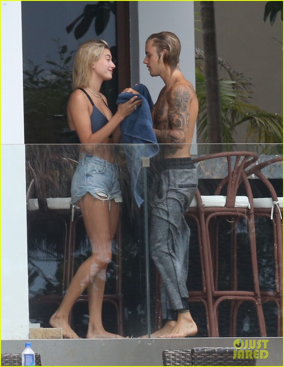 justin bieber gets cozy in miami with hailey baldwin 26