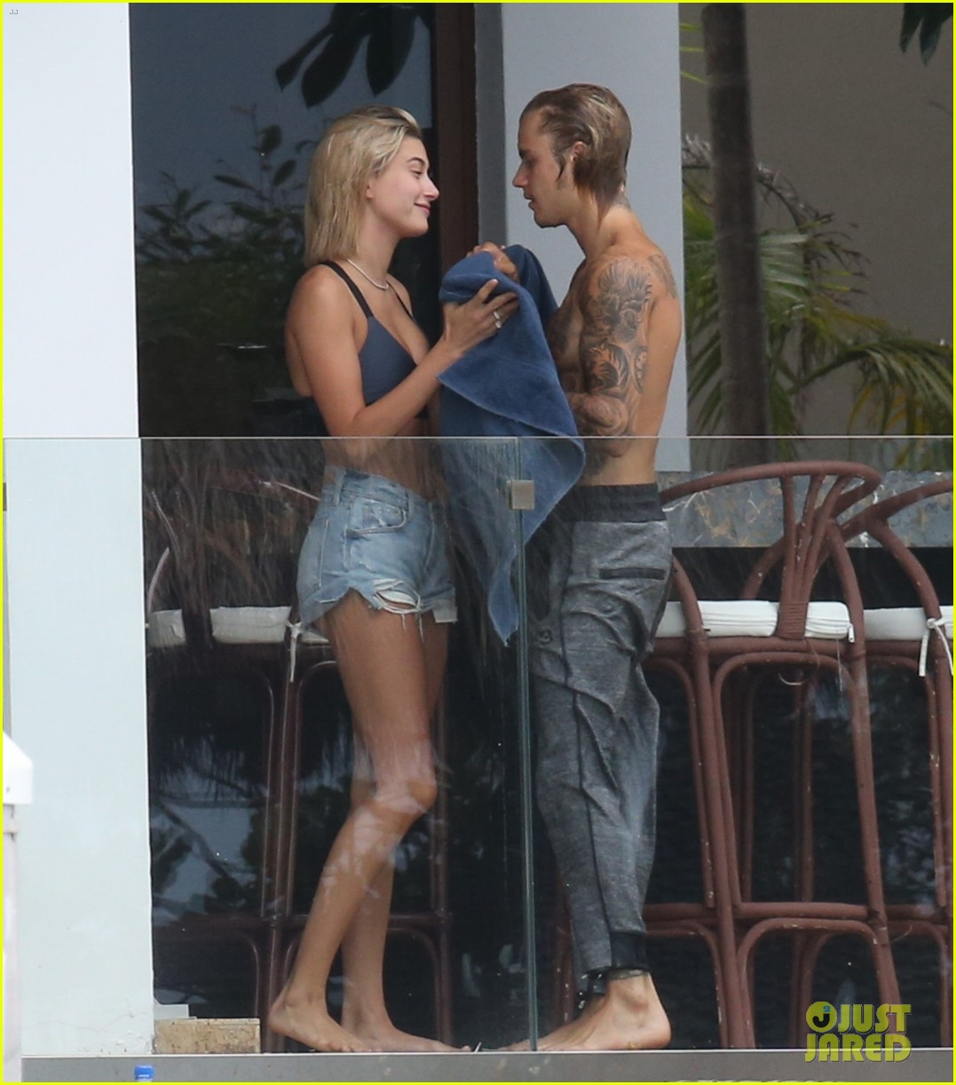 justin bieber gets cozy in miami with hailey baldwin 27