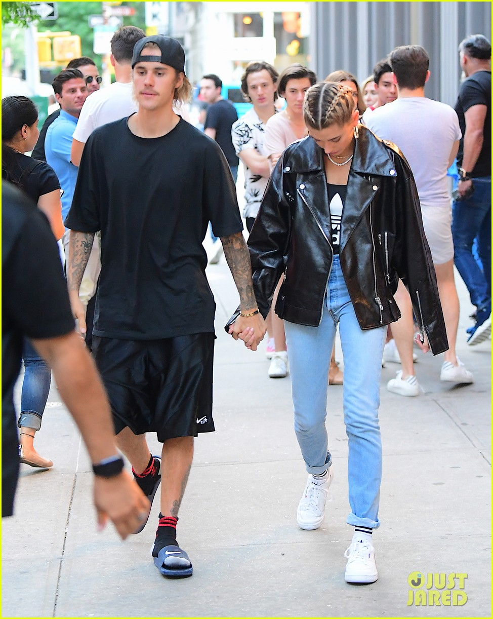 Justin bieber and dating
