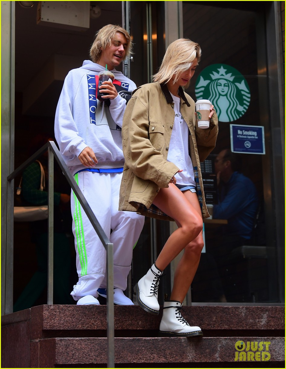 justin bieber hailey baldwin get silly during starbucks run 03