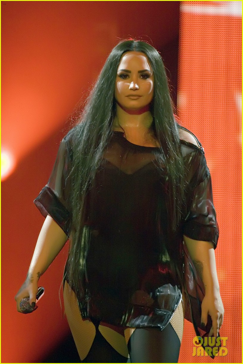 demi lovato concert june 2018 00