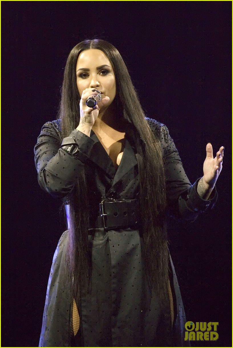 demi lovato concert june 2018 01