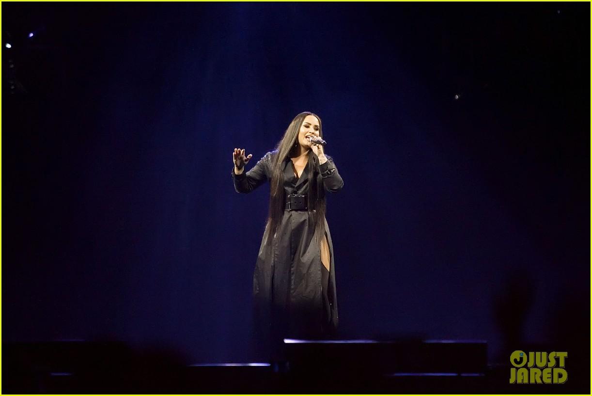 demi lovato concert june 2018 14