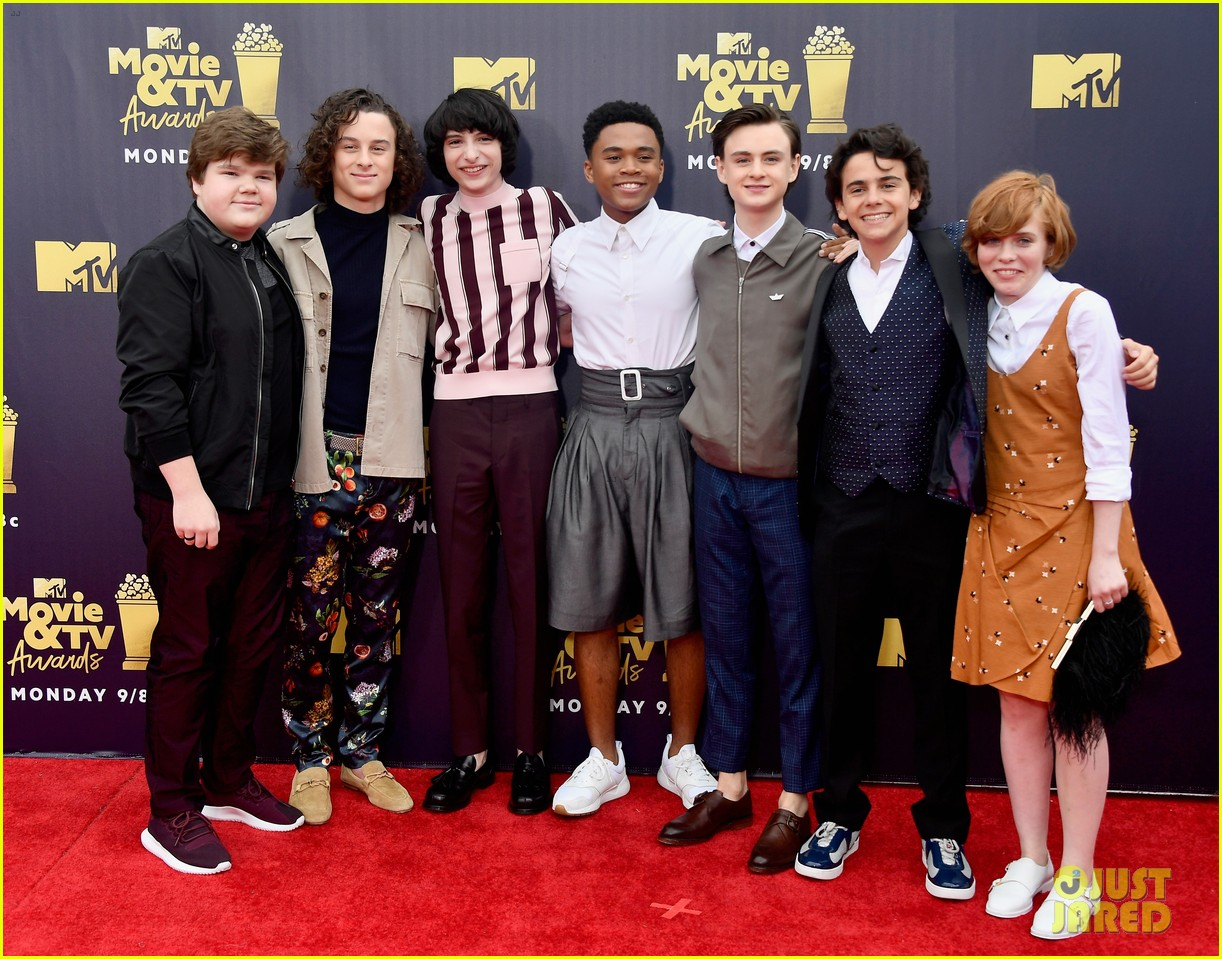 jaeden lieberher sophia lillis mtv movie tv awards 14