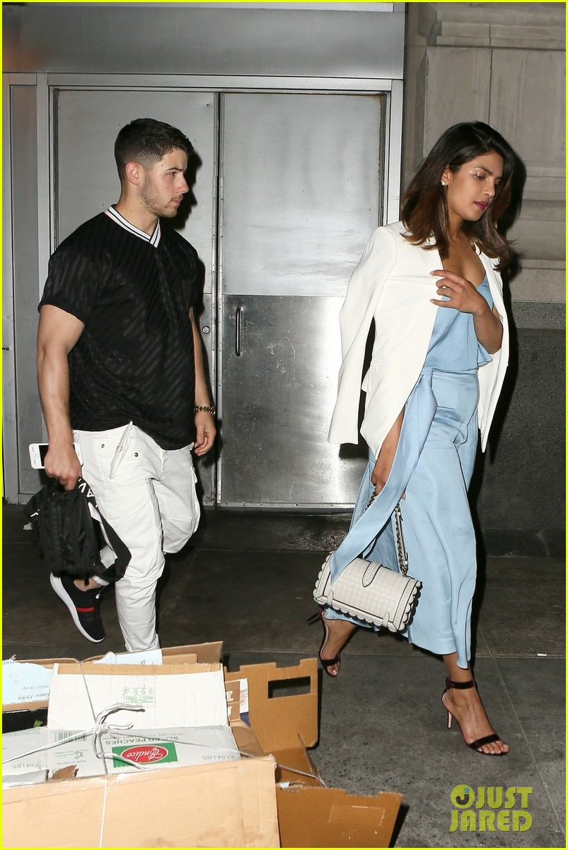nick jonas priyanka chopra dinner date 06