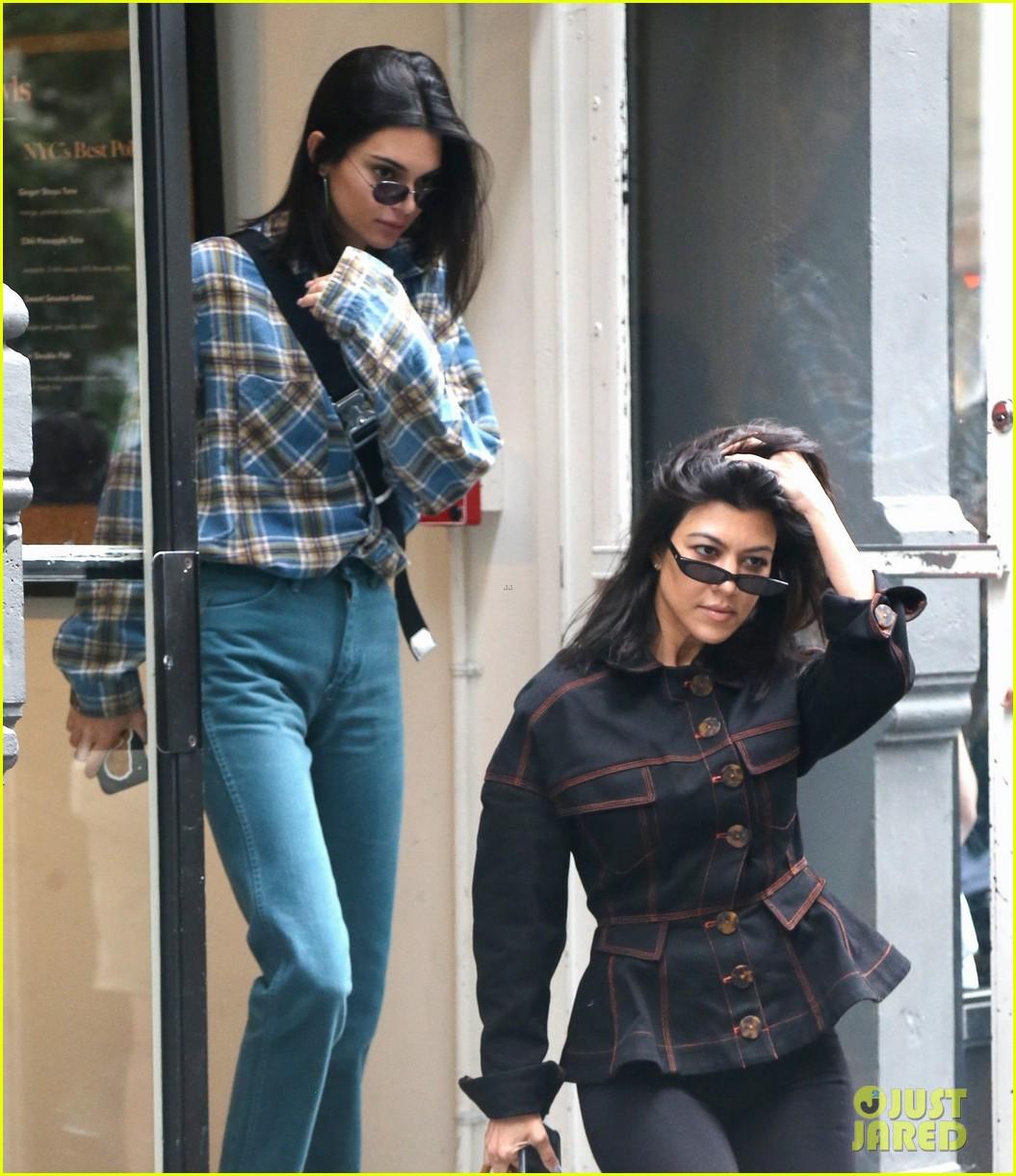 kendall jenner kourtney kardashian step out together 10