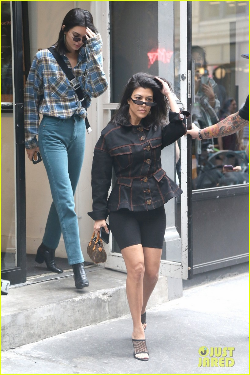 kendall jenner kourtney kardashian step out together 13