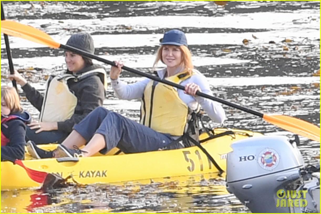 nicole kidman shailene woodley canoeing big little lies 14