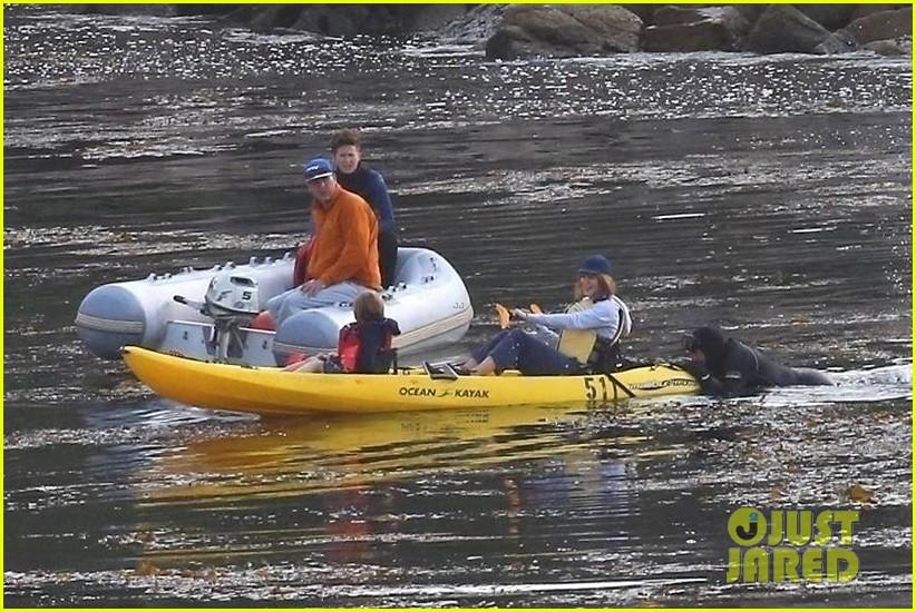 nicole kidman shailene woodley canoeing big little lies 34