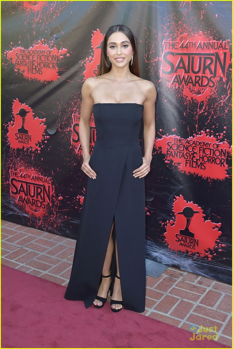 lindsey morgan violett beane more 2018 saturn awards 01