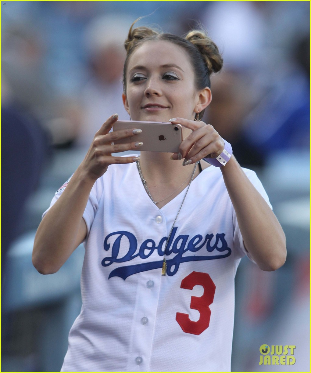 billie lourd dodgers game 06