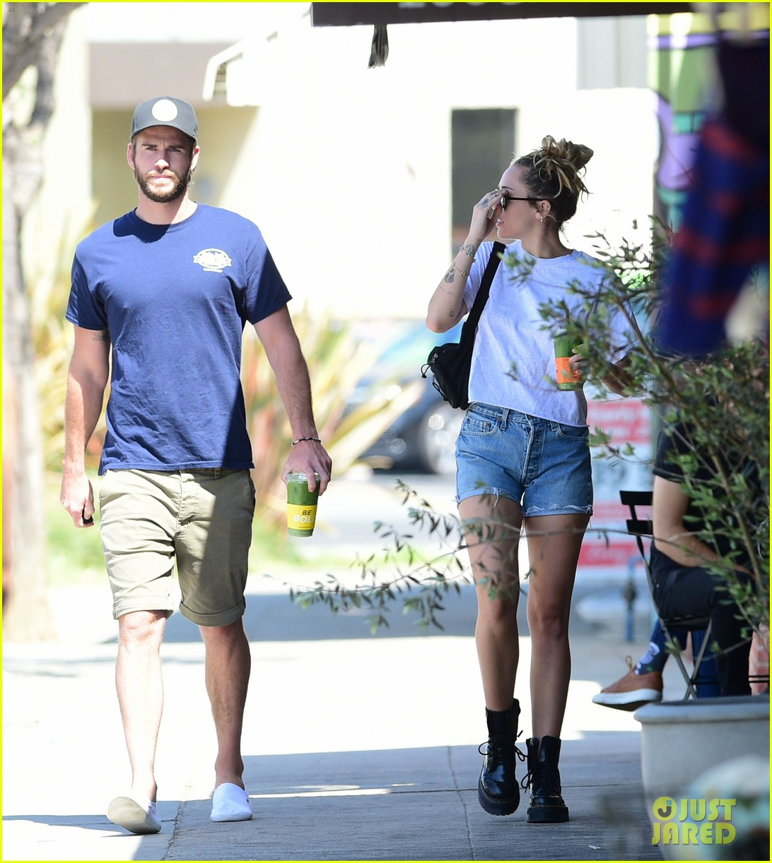 miley cyrus liam hemsworth wednesday photos 08