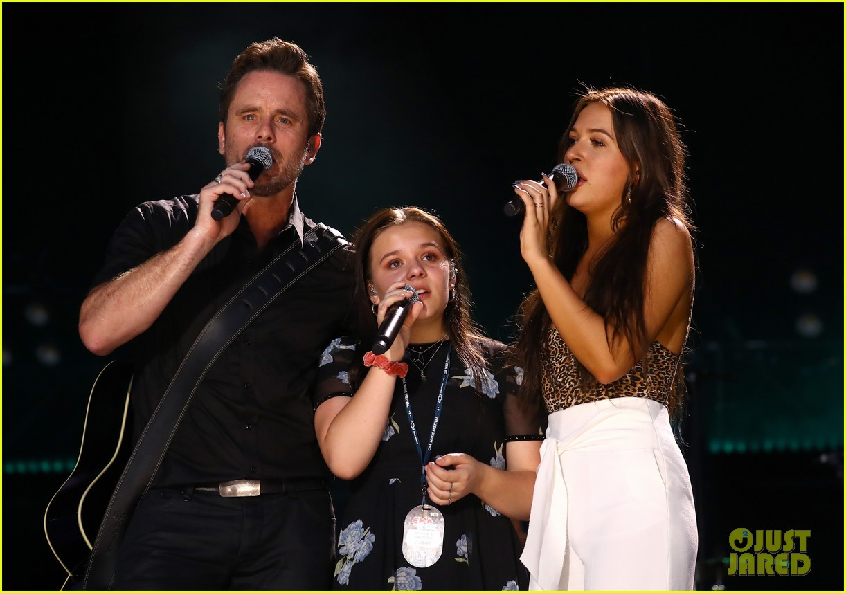 lennon maisy stella join lauren alaina at cma fest night 2018 11