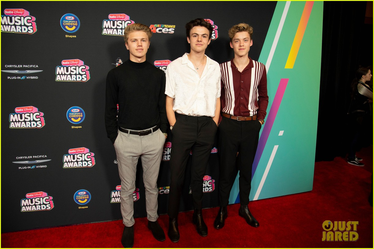 the vamps jagmac new hope club cb30 radio disney music awards 2018 13