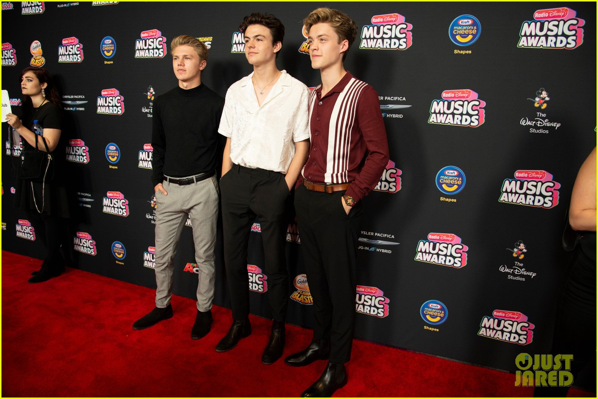 the vamps jagmac new hope club cb30 radio disney music awards 2018 15